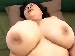 japonský zrelé s obrovským prsia