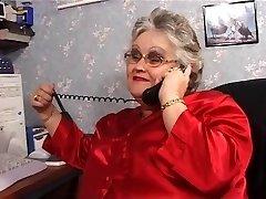 BBW grannie sucks and fucks in stockings