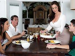 Kendra Enthusiasm & Jordi El Nino Polla in Kendras Thanksgiving Tucking - Brazzers