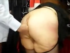 Chubby french MILF with a big culo fucked in a bang-out shop