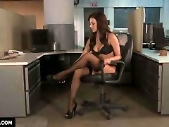 Breanne Benson flashes you how to get Humped in the office.