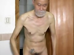 china elderly thin dad shows ass and Masturbating