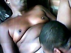 Öregasszony leszbikus baszik ébenfa meleg férfi