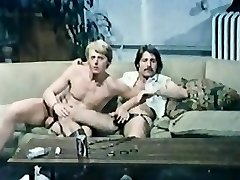 Wade Nichols (Edge of Night soap star) and Jamie Gillis homo sex orgy