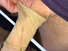 Deutsche blonde Studentin gibt Nylons zum wichsen