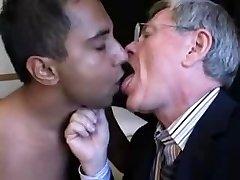 gay maturi