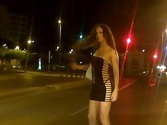 ניקי Ladyboys היא זונת רחוב