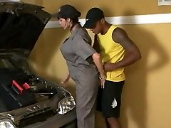 T Milf Fixes Car But Gets Her Exhaust Spunk-pump Worked Out
