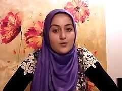 פילגש ב פקיסטני הרמון מספרת את הסיפור שלה הינדי אורדו