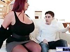 (אמה התחת) עגול גדול, ציצים אמא ' לה ליהנות קשה סקס סרט-19