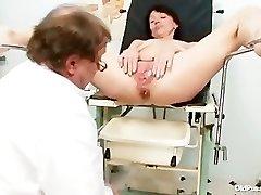 Skinny milf weird coochie fingering by gyno doctor