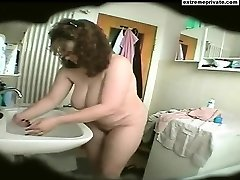 Douche spy footage BBW Mommy Natasja