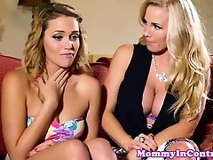Glamour milf cumswapping with nubile beauty