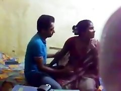 Bangla timido gf tette enormi succhiare e leccare figa