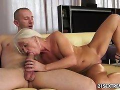 Ultra Super-fucking-hot Granny Bum