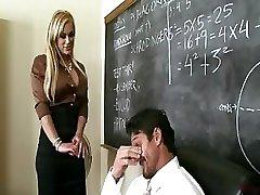 חזה גדול המורה שיילה Stylez מספק שיעורים פרטיים