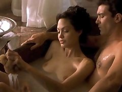 Angelina Jolie & Michelle Williams Unwrapped!