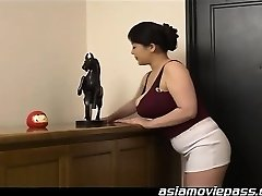 Erotic Initiation By a Sensual COUGAR
