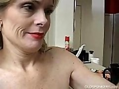 Super cool senior lady is so horny she has to masturbate