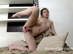 Dea Ishtar takes off and models her naked body