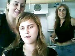 מצלמת ספרדית 20yo מתבגרה חברה אמא מראה ציצים