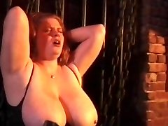 Kinky koppel spanking geile teef vastgebonden