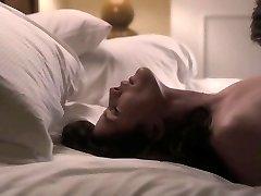 Liv Tyler - The Ledge