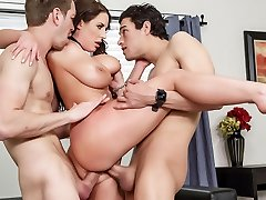 Angelas Hook-up Auction - BrazzersNetwork