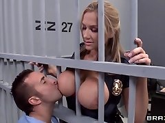 Alanah Rae ultra-kinky as penetrate from this muscular prisoner