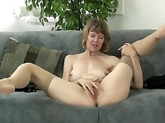 Brit mom rubbing her clit