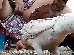 Must see desi bhabi feeding hen