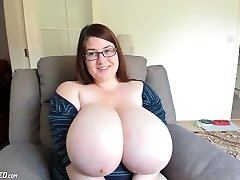 Mega Natural Boobs Teenie Camgirl