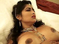 סנכרן סקסיזם חום milf הודי עושה טוב