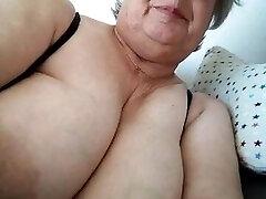 סבתא נחמדה 2