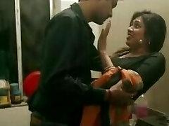 בעלי נואש לסקס עם אשתו, אחותו של סאלי קי Chudai - DesiGuyy