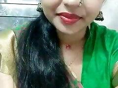 Archana Krishna Nair κάνει δροσερό selfies