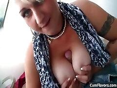 סקסי ציצים גדולים בלונדינית אוהבת למצוץ part2