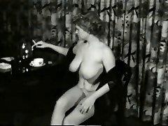 שובבה מילפית פצצה מ-1950's