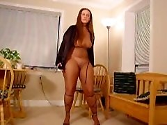 PLUS-SIZE Pantyhose Encased Dancing 2