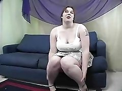Rowan  BBW Receives Spanked And Drilled