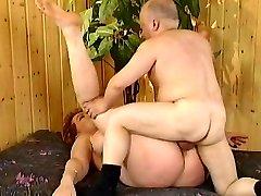 Kira Crimson with midget (Great video)
