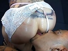Stud asslicking and fucking dirty super-bitch