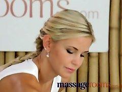 Massage Zimmer Reife und vollbusig teen bekommt Ihr eng Schlitz öffnete sich in lesbischen 69
