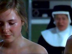 עירום נזירות ב