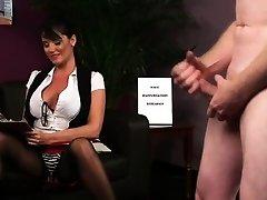 Spex dominatrix mocks moron