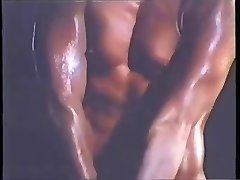 VINTAGE BABE - BODYBUILDER WORKOUT - londonlad
