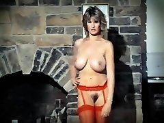 ADDICTED TO LOVE - vintage 80's thick tits striptease dance