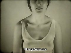 Babe Films Herself Wanking (1960s Vintage)
