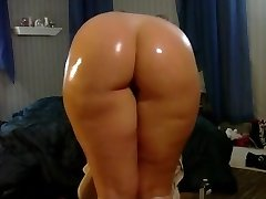 My Killer phat ass white girl booty shaking