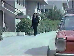 Zerrin Egeliler - Yanliz Kalp